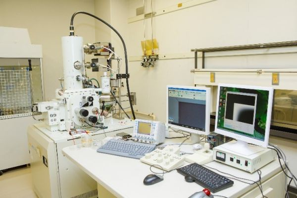 Photo: Developed scanning electron-assisted dielectric microscope