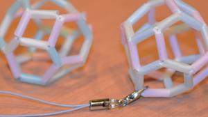 ストロー結晶模型の写真