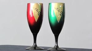 玉虫塗のグラスの写真